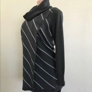 White House Wrap Front sweater shirt  Sz S Like N